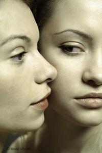 姉妹なる双月